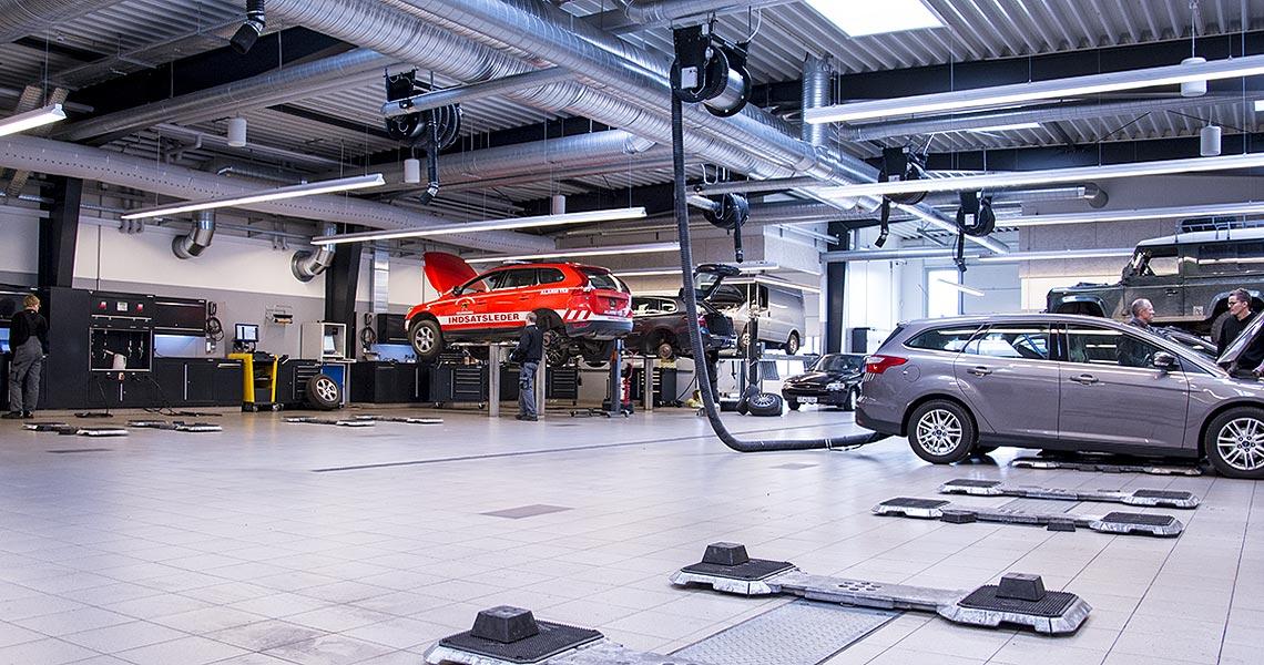 Opførelse af moderne bilhus